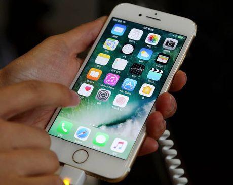 Apple khong the san xuat iPhone man hinh OLED do nha cung cap chua san sang - Anh 1