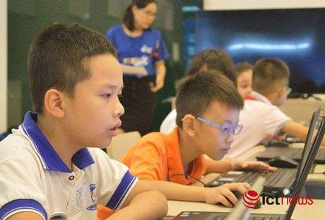 Hon 30 hoc sinh Viet Nam sap sang Indonesia thi tai lap trinh tai WeCode 2016 - Anh 1