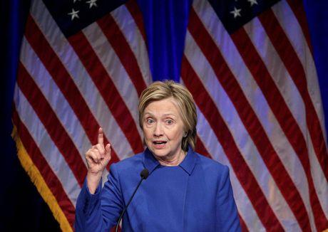 Ba Clinton xuat hien sau that bai - Anh 3