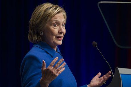 Ba Clinton xuat hien sau that bai - Anh 4