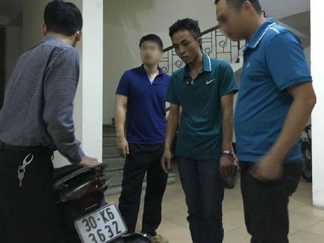 Thanh nien say ruou, lang ma roi dap vao bung cong an - Anh 2