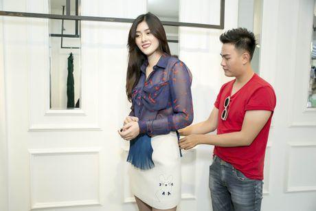 Huynh Tien duoc moi sang Hong Kong gap dan sao TVB - Anh 2