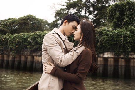 Angela Phuong Trinh, Vo Canh dam duoi tren thuyen - Anh 5