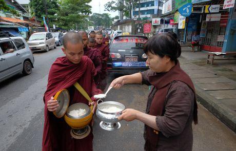 Zalo va tham vong 50% thi phan tai Myanmar - Anh 2
