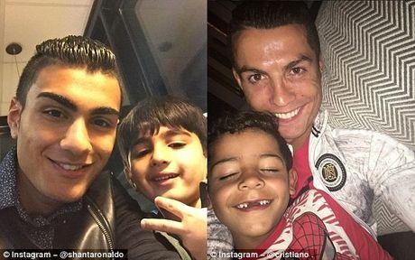 Ban sao Ronaldo mo khoac ao Real Madrid - Anh 4