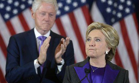 Vo chong Hillary tranh cai nay lua truoc ngay bau cu - Anh 1