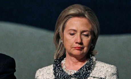 That cu, ba Clinton buon ba tu nhot minh trong nha - Anh 1