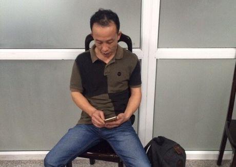 Lien tiep phat hien khach Trung Quoc trom tai san tren may bay - Anh 1