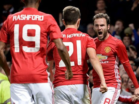 Mourinho cang chi trich hoc tro cang khien nguoi ta nho Alex Ferguson - Anh 2