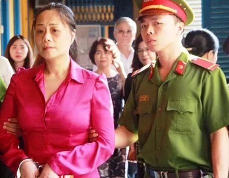 Xu phuc tham Hoa hau quy ba lua dao hang chuc ty dong - Anh 1