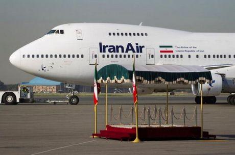 Ha vien My thong qua du luat cam ban may bay thuong mai cho Iran - Anh 1