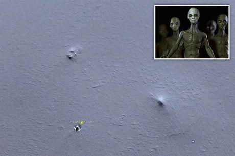 Google Earth phat hien 'can cu nguoi ngoai hanh tinh' tren dinh nui Nam Cuc? - Anh 1