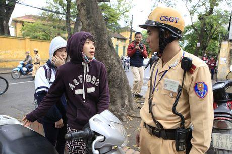 Phat xe khong chinh chu: Mua xe bao nhieu lau phai sang ten? - Anh 1