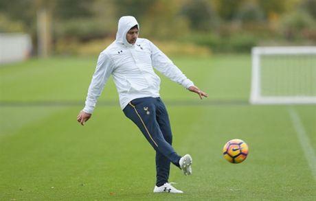 Tottenham 'u am' tap luyen truoc ngay tro lai NHA - Anh 1