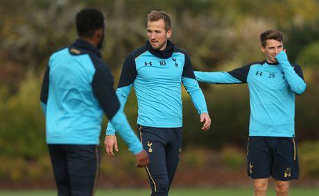Tottenham 'u am' tap luyen truoc ngay tro lai NHA - Anh 4