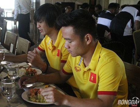 'Dot nhap' phong an cua DT Viet Nam tren dat Myanmar - Anh 10