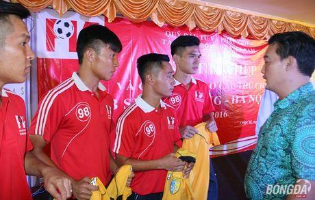 Thanh vien U19 Viet Nam tot nghiep lo PVF loai uu - Anh 2