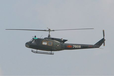 Viet Nam co the bien truc thang UH-1H thanh UAV? - Anh 5