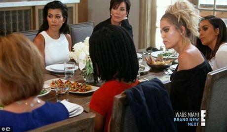 Gia dinh Kim Kardashian kiem bon tien nho truyen hinh thuc te - Anh 4