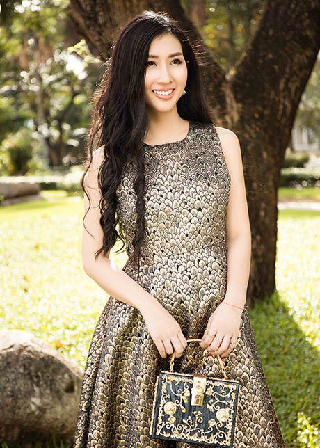 Hoa hau Dien anh 2015 Thanh Mai dep ngot ngao tren pho - Anh 12