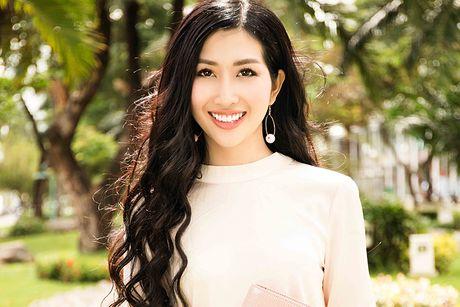 Hoa hau Dien anh 2015 Thanh Mai dep ngot ngao tren pho - Anh 1