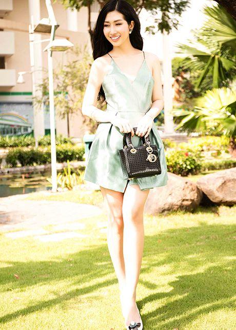 Hoa hau Dien anh 2015 Thanh Mai dep ngot ngao tren pho - Anh 4