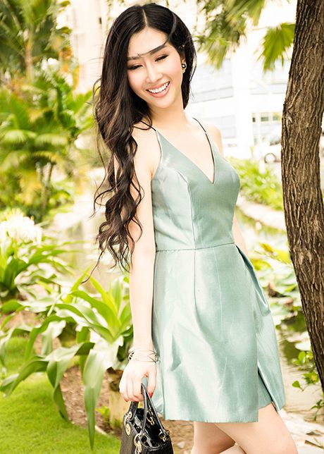 Hoa hau Dien anh 2015 Thanh Mai dep ngot ngao tren pho - Anh 5