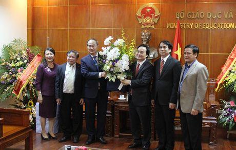 Dong chi Nguyen Thien Nhan chuc mung 1,4 trieu giao vien tren ca nuoc nhan ngay 20/11 - Anh 5
