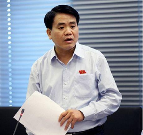Giao thong Ha Noi truoc nguy co hon loan: Chu tich Chung se lam gi khi cap duoi khong thuc thi menh lenh? - Anh 1