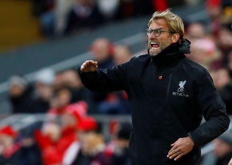 HLV cua Liverpool: 'Cau thu Anh uong ruou nhu dien, hut thuoc nhu quy nhung van thi dau tot' - Anh 1