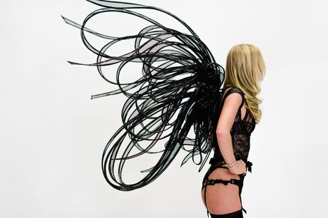 Elsa Hosk: Nhung thiet ke cua Victoria's Secret nam nay rat dep - Anh 4