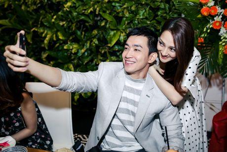 Yeu Ho Quang Hieu, Bao Anh van tinh tu ben Vo Canh - Anh 2