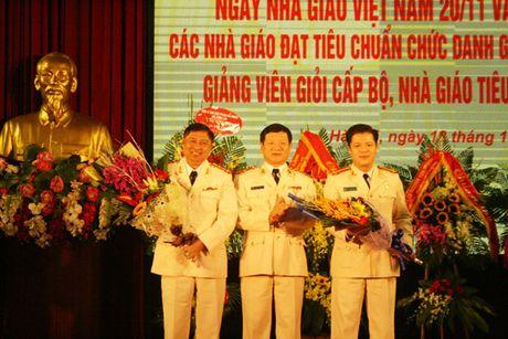 Truong Dai hoc PCCC ky niem Ngay Nha giao Viet Nam - Anh 2