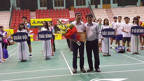 "Khoi tranh ""giai cac cay vot xuat sac toan quoc – Cup Li-Ning 2016"" lan thu 5 - Anh 1"