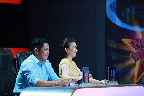 Cam Ly khong muon lam 'hoa hau than thien' tren ghe nong - Anh 1