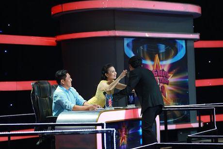 Cam Ly khong muon lam 'hoa hau than thien' tren ghe nong - Anh 2