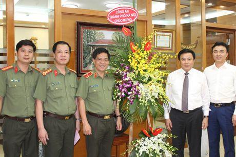 Chuc mung Hoc vien Chinh tri Quoc gia Ho Chi Minh nhan ngay 20-11 - Anh 1