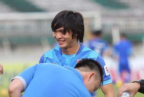 HLV Huu Thang gach ten Tuan Anh khoi AFF Cup 2016 - Anh 1