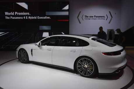 Can canh Porsche Panamera Executive gia 13,8 ty dong - Anh 4