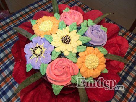 Lam bo hoa tu banh cupcake dep lung linh cho ngay 20/11 - Anh 10
