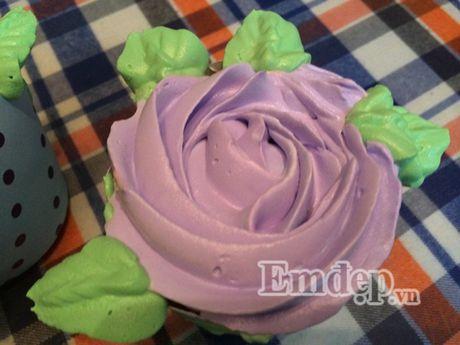 Lam bo hoa tu banh cupcake dep lung linh cho ngay 20/11 - Anh 4