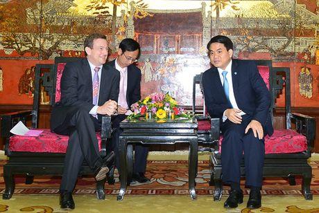 Phap co the ho tro Ha Noi chinh trang cac tuyen pho co - Anh 1
