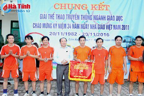 Nhieu hoat dong huong toi ngay Nha giao Viet Nam 20/11 - Anh 3