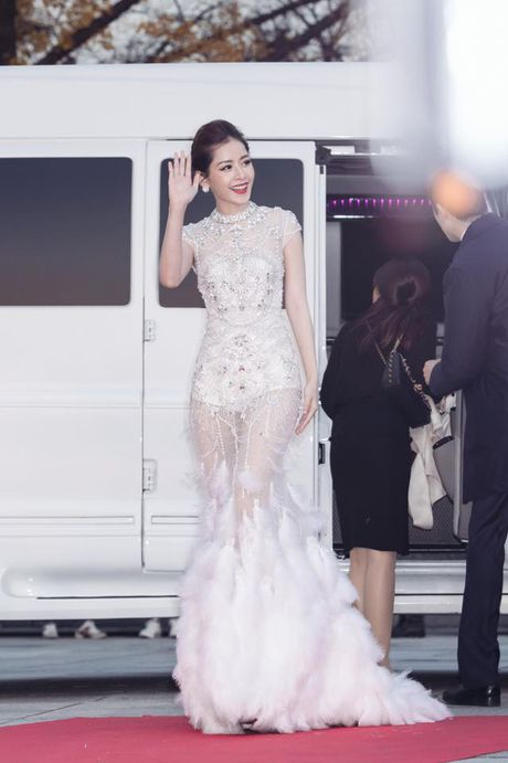 Tiet lo ve bo vay Chi Pu dien tai Asia Artist Awards - Anh 1