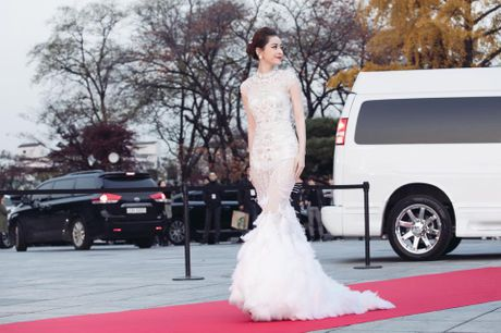 Tiet lo ve bo vay Chi Pu dien tai Asia Artist Awards - Anh 2