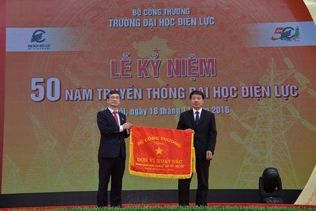 Dai hoc Dien luc: 50 nam phat trien ca luong va chat - Anh 1
