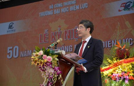 Dai hoc Dien luc: 50 nam phat trien ca luong va chat - Anh 2