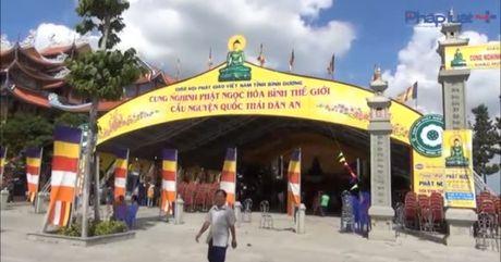 Binh Duong: Khai mac Le chiem bai tuong Phat Ngoc hoa binh The gioi - Anh 1