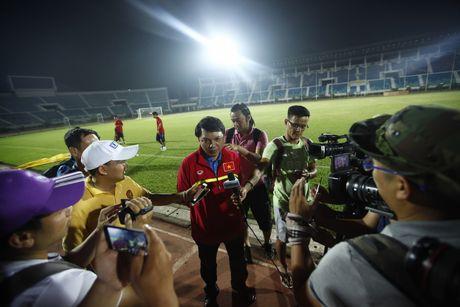 Truong doan DT Viet Nam noi ve khach san thieu phong gym: 'Nuoc chu nha khong lam sai dieu le' - Anh 1