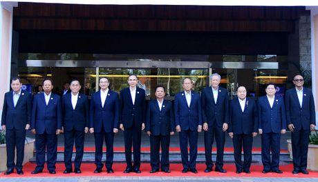 ASEAN truoc nhung thach thuc an ninh - Anh 1